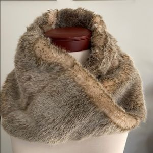 New aerie infinity scarf faux fur
